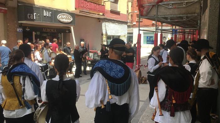 Folklore jaialdia egin zuen atzo Galiziar Etxeak - 6