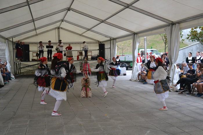 Untzueta dantza taldeak 35. urteurrena ospatu zuen atzo - 23