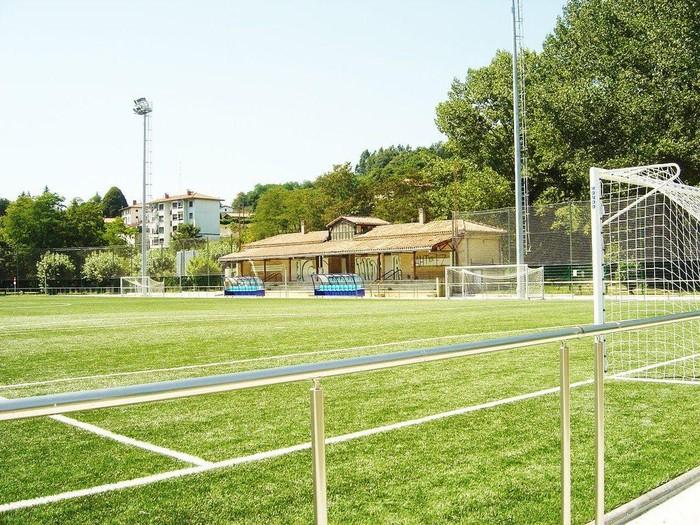 """Futbol zelaiko fokuak aldatuko dituzte, """"eraginkortasun energetikoa hobetzeko"""""""
