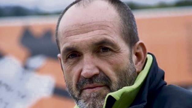 Juanito Oyarzabal hizlari Lantenoko Eskolan