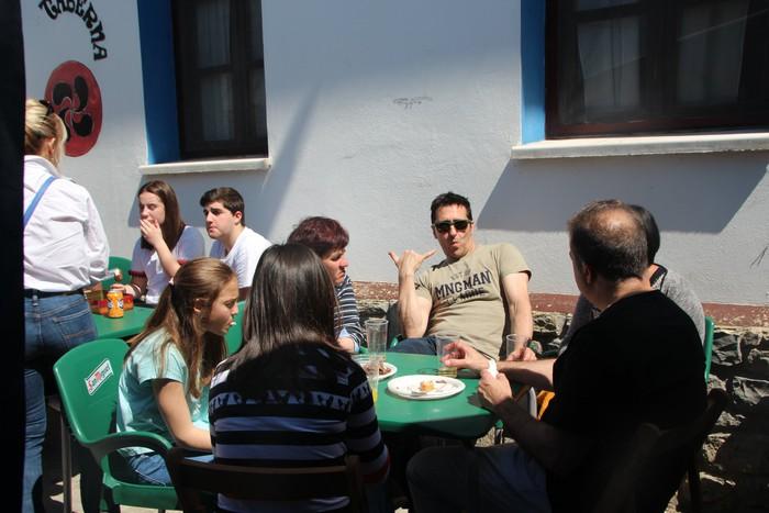 Gastronomiak batu zuen atzo hainbat jende Artomañan - 25