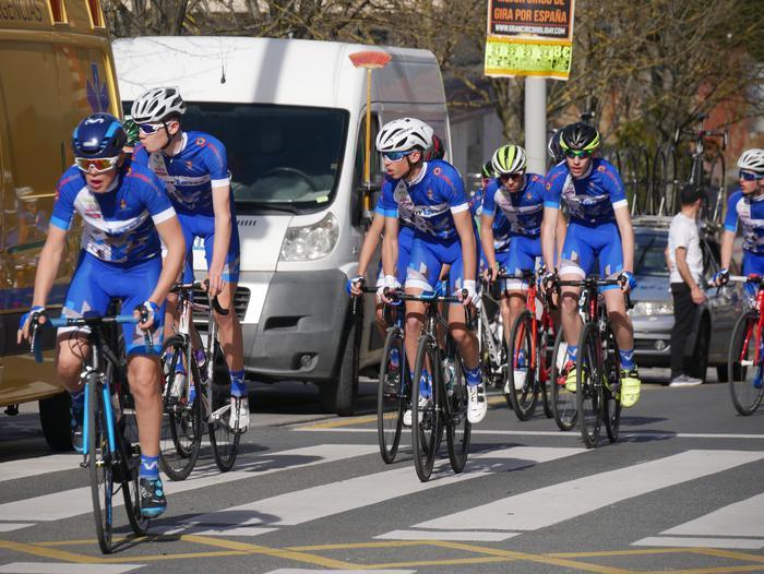 Pablo Fernandezek irabazi zuen sprintean Aiarako Birako lehen etapa - 62