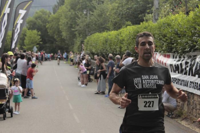 Jon Durana eta Maider Urtaran garaile San Joan Astobitzako krosean - 62