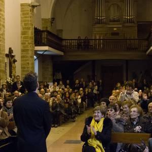 Antonio Oyarzabalek piano kontzertu jendetsua eskaini zuen atzo