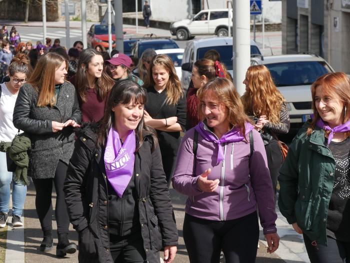 Ehunka emakume* grebalarik hartu dituzte Aiaraldeko kale eta plazak - 75