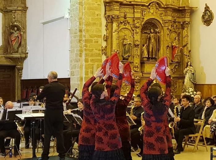 Algarabia eta Laudioko Musika Bandak inauguratu dute Mazzantiniren aste kulturala