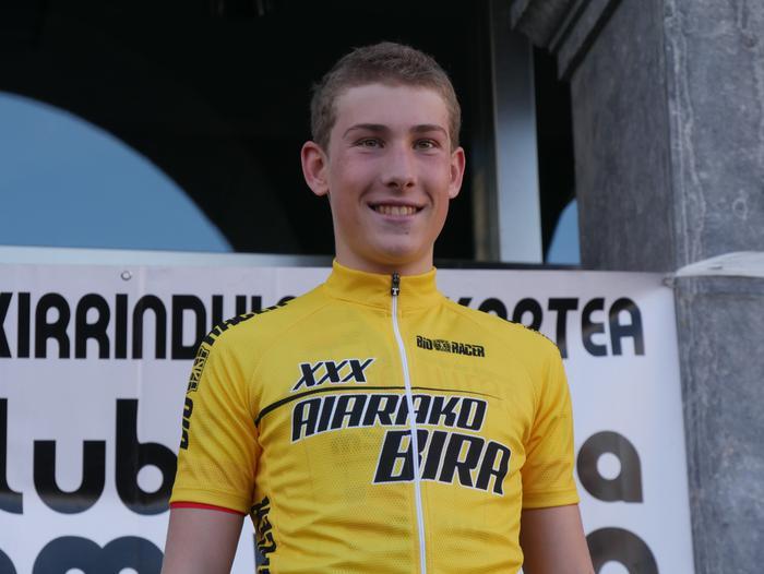 Pablo Fernandezek irabazi zuen sprintean Aiarako Birako lehen etapa - 118
