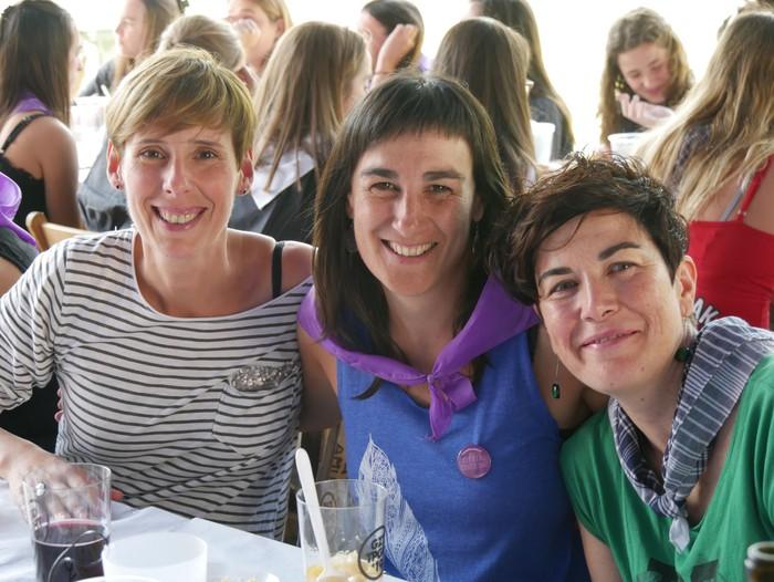 Saretzeko ekintzak eta espazioak uztartu zituen atzo Egun feministak - 26