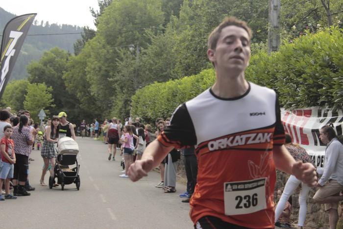 Jon Durana eta Maider Urtaran garaile San Joan Astobitzako krosean - 61