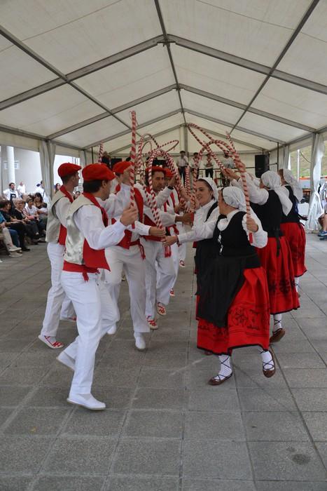 Untzueta dantza taldeak 35. urteurrena ospatu zuen atzo - 82