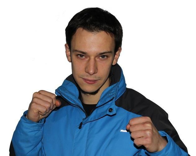 """""""Kick boxingean sariak irabazteak ez dizu bizitza aldatzen, motibazioa eman baizik"""""""