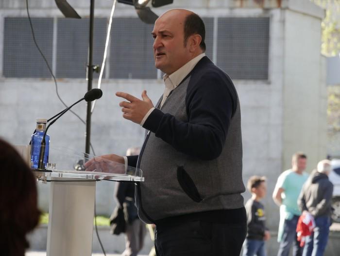 """Senatuan """"Araba eta Euskadiren interesak"""" defendatzeko prest azaldu da Almudena Otaola - 15"""