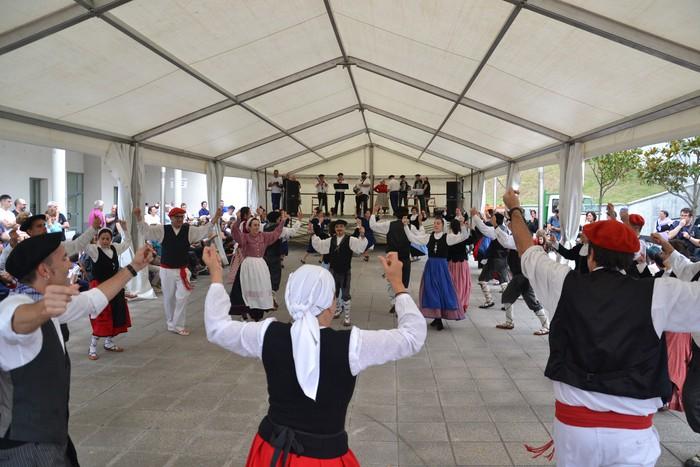 Untzueta dantza taldeak 35. urteurrena ospatu zuen atzo - 136