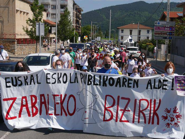 Jokin Bildarratz Hezkuntza Sailburuaren aurrean protesta egingo du Zabaleko Bizirik! plataformak