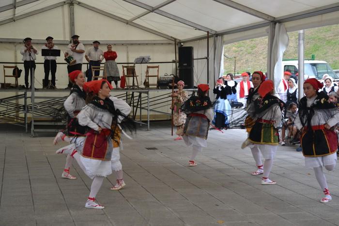 Untzueta dantza taldeak 35. urteurrena ospatu zuen atzo - 21