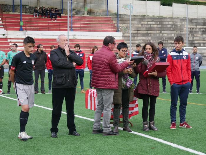 Futbol txapelketa egin dute Jon Urkijo Labururen omenez - 8