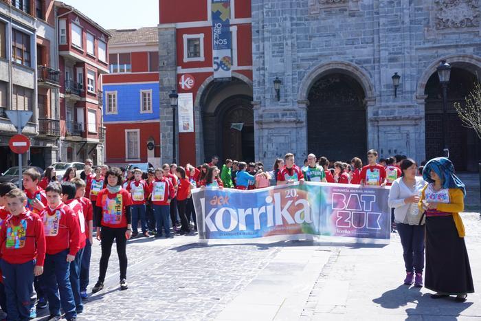 Korrika Txikia Urduñan: Foru plaza hartu zuten herriko txikienek - 7