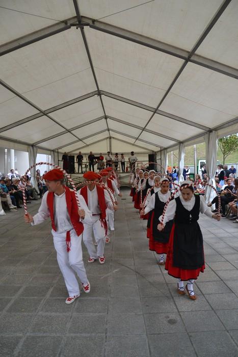 Untzueta dantza taldeak 35. urteurrena ospatu zuen atzo - 32