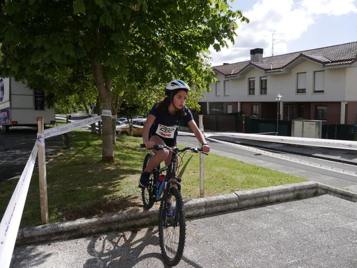 Zuriñe Frutosek eta Iñaki Isasik irabazi dute Aiarako Mendi Duatloia - 22
