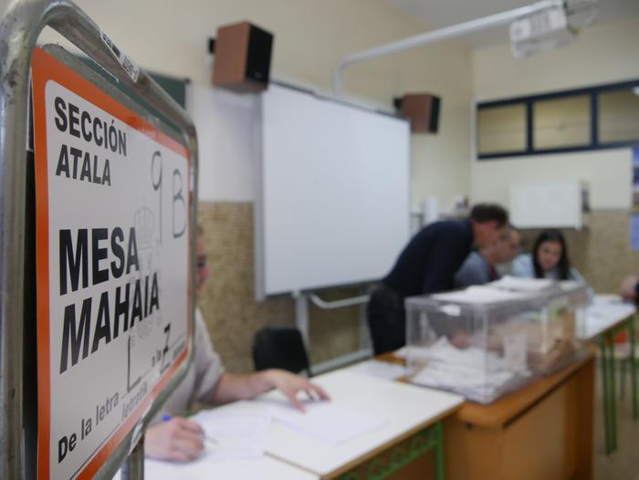 Aiaraldearren %60.04ak hartu du parte oraingoz Espainiako kongresu eta senaturako hauteskundeetan