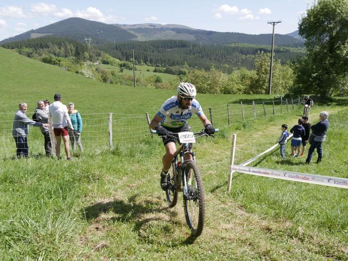 Zuriñe Frutosek eta Iñaki Isasik irabazi dute Aiarako Mendi Duatloia - 69