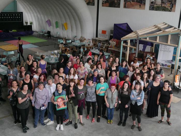 Aiaraldeko emakume feministen topaketa argazkitan - 108