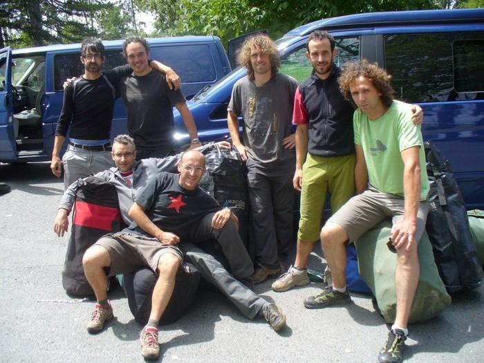 Nun 2010 espedizioko kideak sano eta salbu daude Lehe-n izandako lurjausiaren ostean