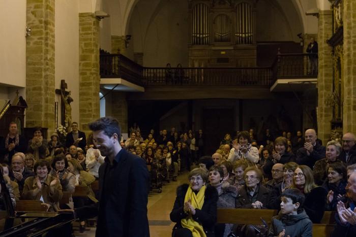 Antonio Oyarzabalek piano kontzertu jendetsua eskaini zuen atzo - 14