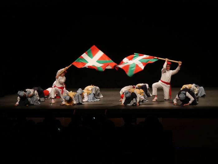 Guk saria jaso du Aiara dantza taldeak - 3