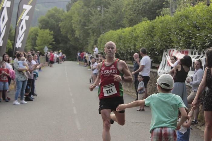 Jon Durana eta Maider Urtaran garaile San Joan Astobitzako krosean - 52