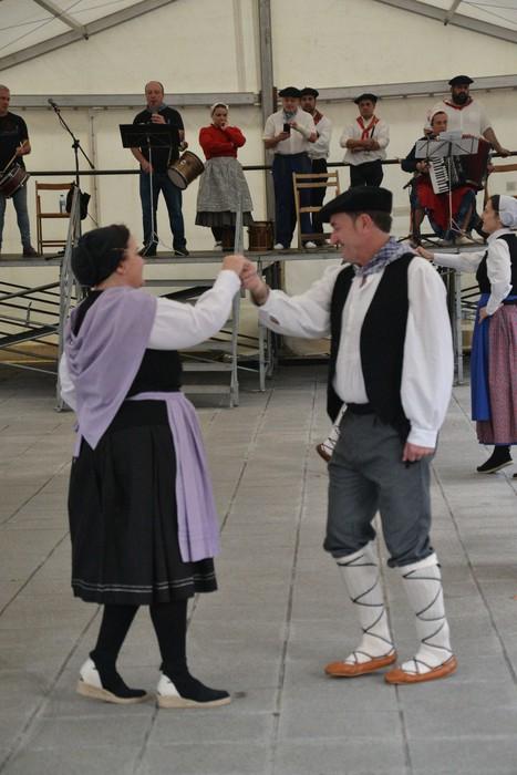 Untzueta dantza taldeak 35. urteurrena ospatu zuen atzo - 10
