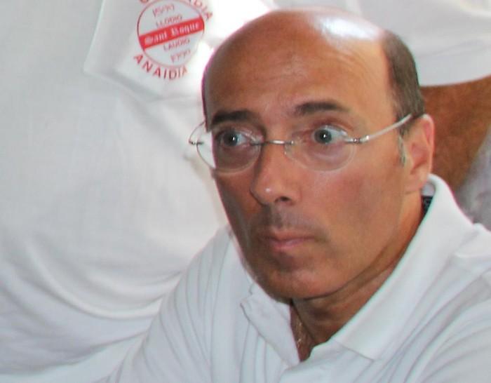 Carlos Urquijo Espainiar Gobernuko ordezkaritzatik kenduko dutela zabaldu dute hedabideek