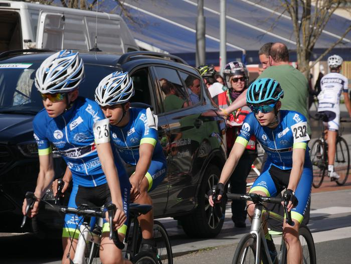 Pablo Fernandezek irabazi zuen sprintean Aiarako Birako lehen etapa - 56