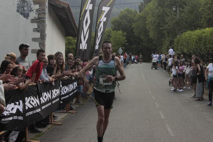 Jon Durana eta Maider Urtaran garaile San Joan Astobitzako krosean - 46