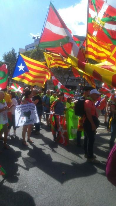 Eskualdeko zenbait herritar egon ziren atzo Diadan Independentistak sarearen ordezkaritzan - 4