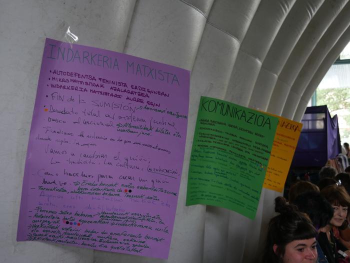 Aiaraldeko emakume feministen topaketa argazkitan - 65