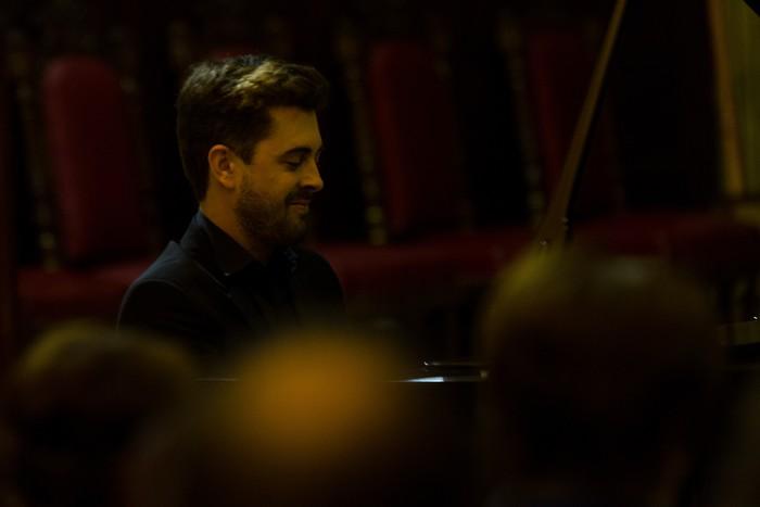 Antonio Oyarzabalek piano kontzertu jendetsua eskaini zuen atzo - 21