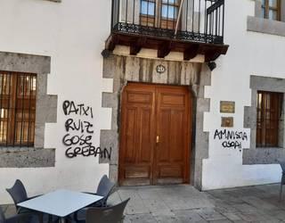 Patxi Ruizen aldeko margoketak egin dituzte Arrankudiagako Batzokian