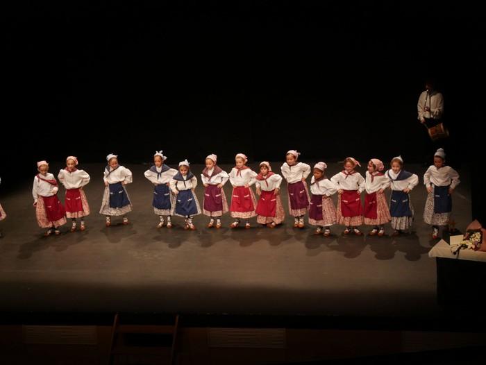 Guk saria jaso du Aiara dantza taldeak - 90