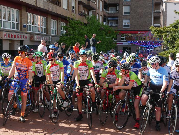 Pablo Fernandezek irabazi zuen sprintean Aiarako Birako lehen etapa - 65