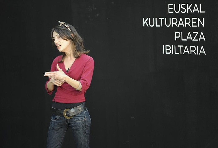 Sortzaile, udal ordezkari eta euskaltzale ugarik babestu dute Jalgiren aurkezpena - 3