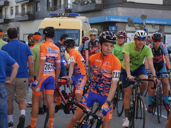 Pablo Fernandezek irabazi zuen sprintean Aiarako Birako lehen etapa - 99