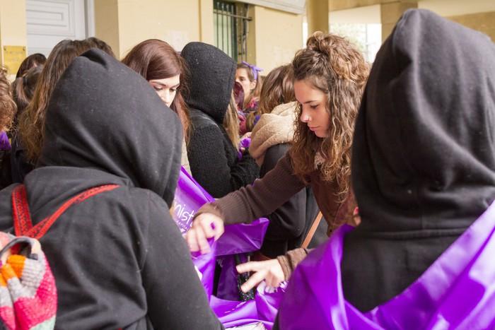 Ehunka emakume* grebalarik hartu dituzte Aiaraldeko kale eta plazak - 168