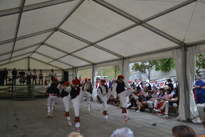 Untzueta dantza taldeak 35. urteurrena ospatu zuen atzo - 78