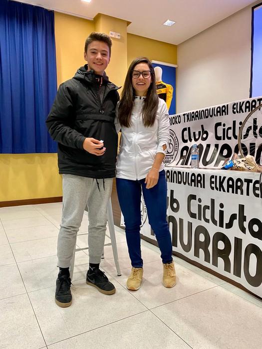 Lourdes Oyarbide Movistarreko txirrindulariak solasaldia eskaini zuen ostiralean Amurrion - 11