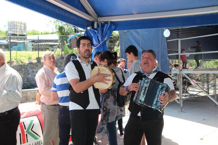 Gastronomiak batu zuen atzo hainbat jende Artomañan - 3