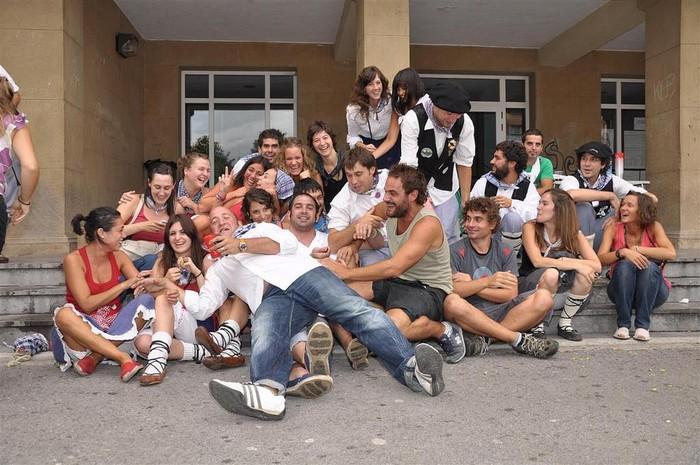 Laudioko Jaiak 2011: Kuadrillen Bazkaria 7 - 15
