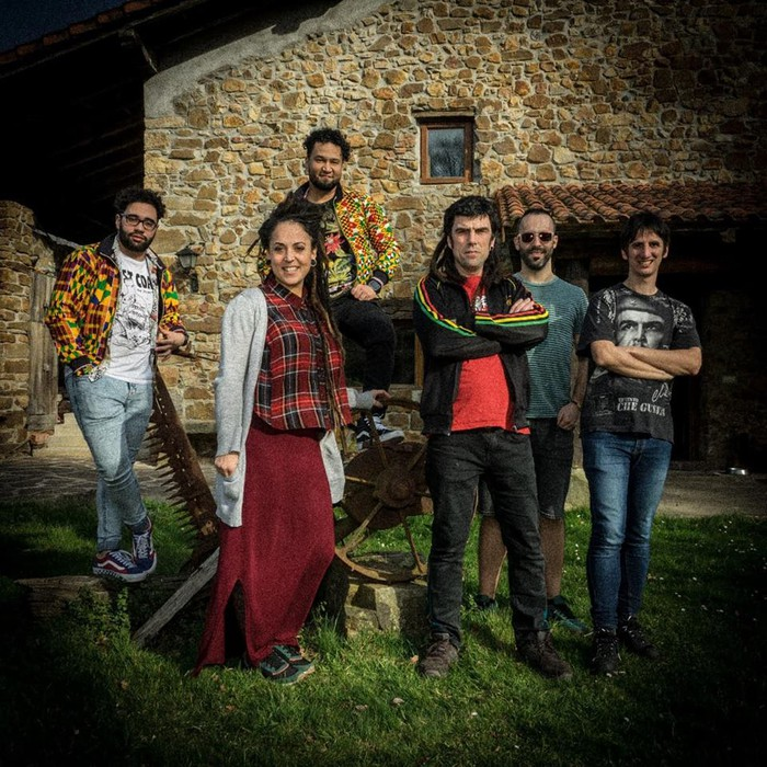 Aiaraldeko azken musika nobedadeak entzungai: Lyrikan, Luis Vil & La Brigada Político Social, Radio Revolución...