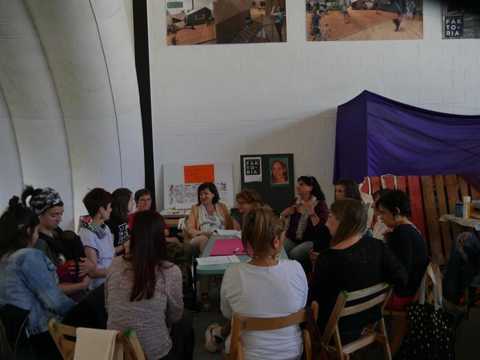 Aiaraldeko emakume feministen topaketa argazkitan - 58