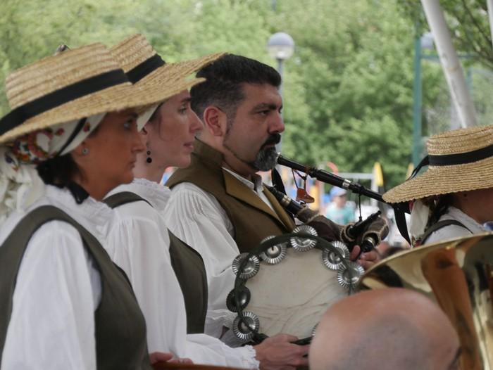 Jaia antolatu ez ezik, Urduñako mendatean hildako musikariak omenduko ditu Galiziar Etxeak bere 50. urteurrenean